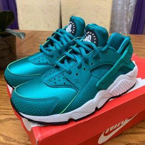 Nike Huarache - Rio Teal - Size 6.5W